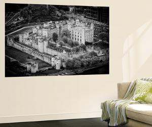 Wall Mural - Majesty's Royal Palace and Fortress - London - UK - England - B&W Photography by Philippe Hugonnard