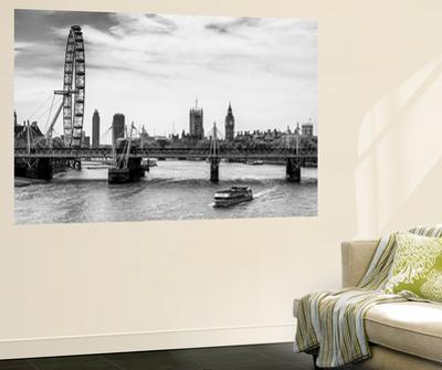 Wall Mural - The Millennium Wheel and Houses of Parliament - Hungerford Bridge and Big Ben by Philippe Hugonnard