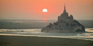 Mont Saint Michel by Philippe Manguin