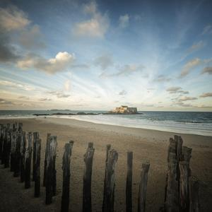 Saint Malo beach in Brittany - square by Philippe Manguin