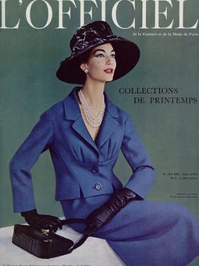 L'Officiel, March 1957 - Tailleur de Pierre Balmain en Cheviotte Poncho de Labbey by Philippe Pottier