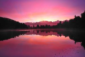 Lake Matheson by PHOTOGRAPHY BY ANTHONY KO