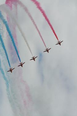 Red Arrows at Farnborough Air Show by Photography by paulgmccabe