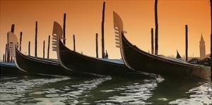 Gondola by PhotoINC Studio