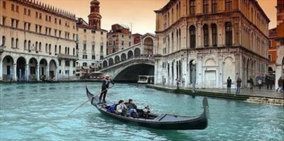 Venice by PhotoINC Studio