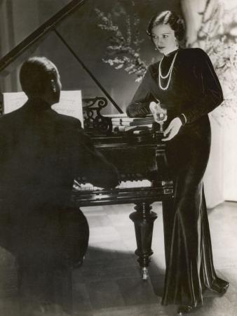 https://imgc.allpostersimages.com/img/posters/piano-1930s_u-L-Q108D3B0.jpg?p=0