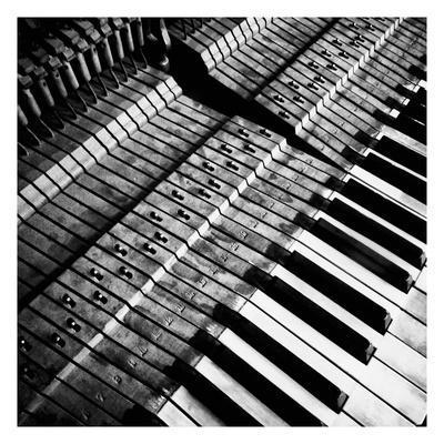 https://imgc.allpostersimages.com/img/posters/piano-xvi_u-L-F9352F0.jpg?artPerspective=n