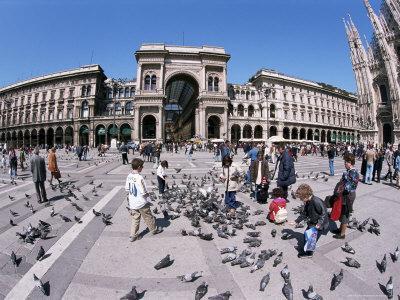 https://imgc.allpostersimages.com/img/posters/piazza-del-duomo-milan-italy_u-L-P1JS8H0.jpg?p=0
