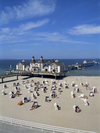 https://imgc.allpostersimages.com/img/posters/pier-at-sellin-island-of-rugen-mecklenburg-vorpommern-germany_u-L-P1JS9K0.jpg?p=0