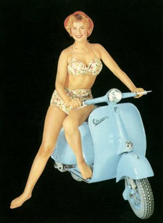 Pin-Up Girl: Italian Vespa Piaggio