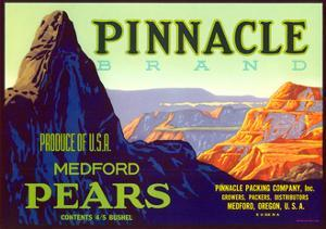 Pinnacle Pear Label