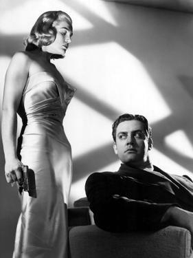 Pitfall, Lizabeth Scott, Raymond Burr, 1948, Gun