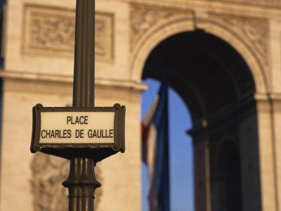 https://imgc.allpostersimages.com/img/posters/place-charles-de-gaulle-street-sign-and-the-arc-de-triomphe-paris-france-europe_u-L-P7XJAK0.jpg?p=0
