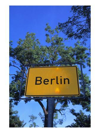 https://imgc.allpostersimages.com/img/posters/place-name-sign-berlin_u-L-F77NCL0.jpg?p=0
