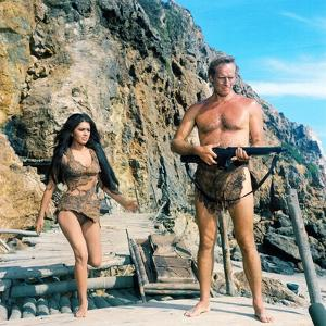 PLANET OF THE APES, 1968 directed by FRANKLYN J. SCHAFFNER Charlton Heston (photo)
