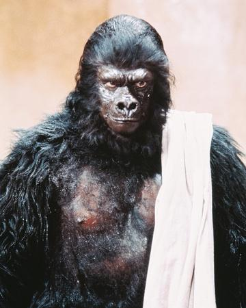 https://imgc.allpostersimages.com/img/posters/planet-of-the-apes_u-L-PJSNQR0.jpg?artPerspective=n