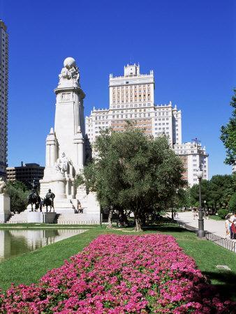 https://imgc.allpostersimages.com/img/posters/plaza-de-espana-madrid-spain_u-L-P1JOH20.jpg?p=0