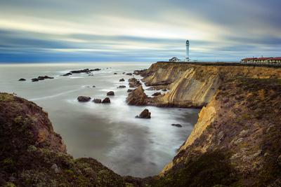 https://imgc.allpostersimages.com/img/posters/point-arena-lighthouse-in-mendocino-county_u-L-Q1BBBBR0.jpg?p=0