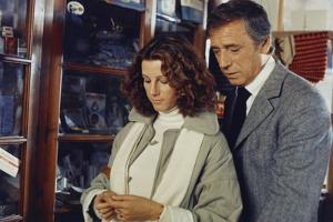 POLICE PYTHON, 1976 directed by ALAIN CORNEAU Stefania Sandrelli and Yves Montand (photo)