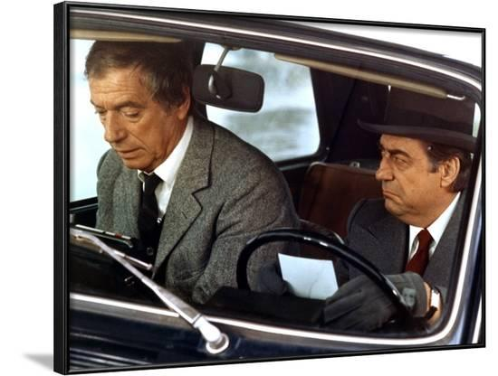 POLICE PYTHON, 1976 directed by ALAIN CORNEAU Yves Montand and Francois Perier (photo)--Framed Photo