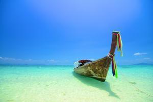 Tropical Beach, Koh Pai in Krabi Thailand by Pongphan Ruengchai