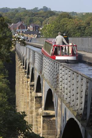 https://imgc.allpostersimages.com/img/posters/pontcysyllte-aqueduct-built-1795-to-1805-and-the-ellesmere-canal_u-L-PWFBEE0.jpg?p=0