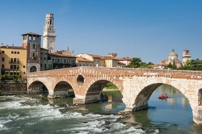 https://imgc.allpostersimages.com/img/posters/ponte-pietra-river-adige-verona-unesco-world-heritage-site-veneto-italy-europe_u-L-PQ8SIZ0.jpg?p=0