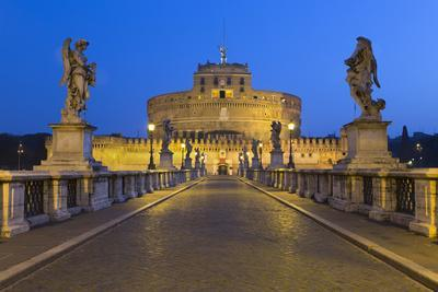 https://imgc.allpostersimages.com/img/posters/ponte-sant-angelo-with-16th-century-statues-and-the-castel-sant-angelo-at-night-rome-lazio-italy_u-L-PWFJNF0.jpg?p=0
