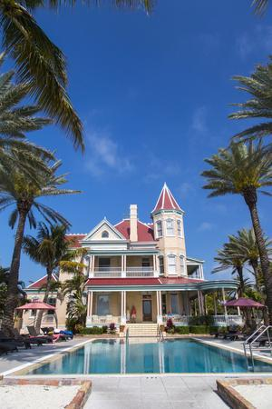 https://imgc.allpostersimages.com/img/posters/pool-at-southernmost-house-inn-in-key-west-florida-usa_u-L-PN71S50.jpg?p=0
