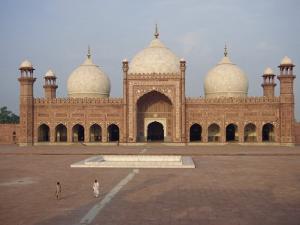 Badshahi Mosque in Lahore, Punjab, Pakistan by Poole David