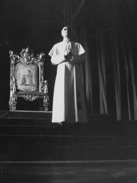 Pope Pius Xii Speaking at the Press Conference