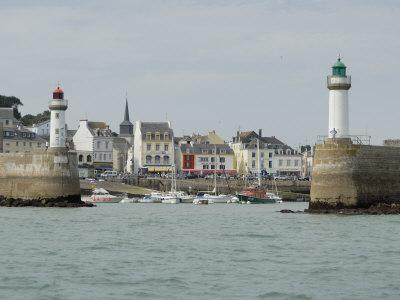 https://imgc.allpostersimages.com/img/posters/port-of-le-palais-belle-ile-brittany-france-europe_u-L-P7X7100.jpg?p=0