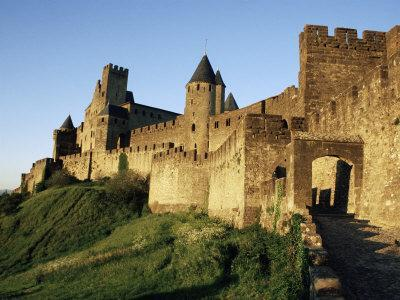 https://imgc.allpostersimages.com/img/posters/porte-d-aude-entrance-to-walled-and-turreted-fortress-of-cite-carcassonne-languedoc-france_u-L-P2KCVU0.jpg?p=0