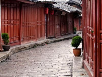 Early Morning Cobbled Street, Lijiang Old Town, UNESCO World Heritage Site, Yunnan, China
