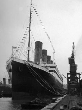 """Postcard of British Luxury Liner """"S.S. Titanic"""" in Dock at Southampton Prior to Fatal Maiden Voyage"""