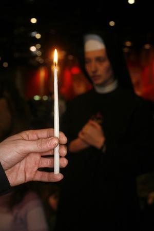 https://imgc.allpostersimages.com/img/posters/prayer-at-taize-meeting-geneva-switzerland_u-L-Q1GYLRM0.jpg?artPerspective=n