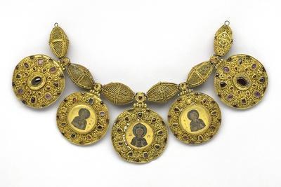 https://imgc.allpostersimages.com/img/posters/pre-mongol-rus-necklace-from-the-staraya-ryazan-treasure_u-L-PZS4GS0.jpg?artPerspective=n