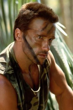 PREDATOR, 1987 directed by JOHN McTIERNAN Arnold Scharzenegger (photo)