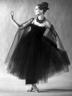 Presentation on February 27, 1963 of Fashion by Jacques Heim, Paris : Black Tulle Evening Dress