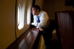 President Barack Obama Looks Out at the Australian Landscape from Air Force One, Nov. 17, 2011