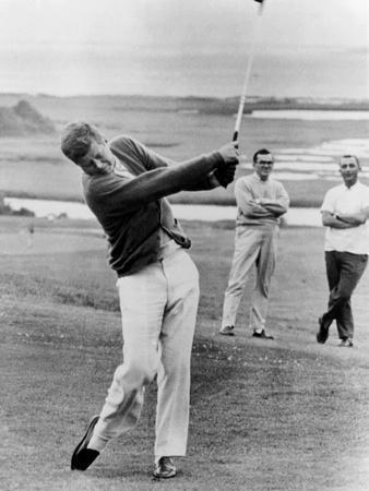 https://imgc.allpostersimages.com/img/posters/president-john-kennedy-playing-golf-at-hyannis-port-july-20-1963_u-L-PII5I50.jpg?artPerspective=n