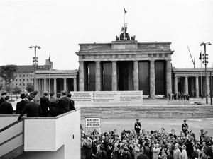 President John Kennedy Visits the Berlin Wall
