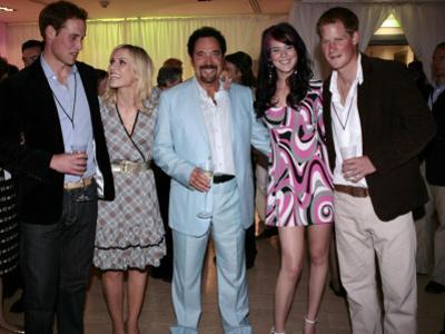 Prince William, Natasha Bedingfield, Tom Jones, Joss Stone and Prince Harry following pop concert i