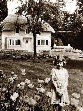 Princess Elizabeth, Future Queen Elizabeth II of Great Britain, Windsor, 1930S