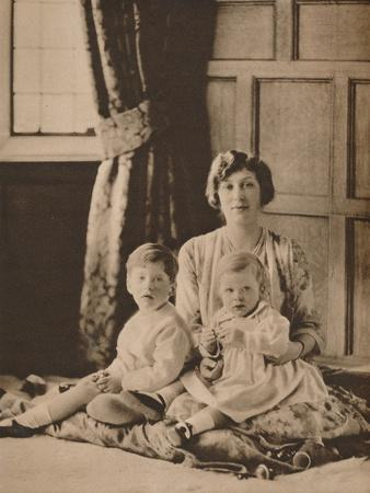 https://imgc.allpostersimages.com/img/posters/princess-mary-viscountess-lascelles-with-her-two-sons-gerald-and-george-1926-1935_u-L-Q1EFB9M0.jpg?artPerspective=n
