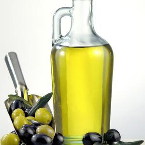 Salad Oil with Green and Black Olives by Prisma