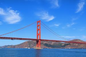 Panoramic View of Famous Golden Gate Bridge by prochasson