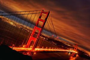 Sunset at Golden Gate Bridge by prochasson