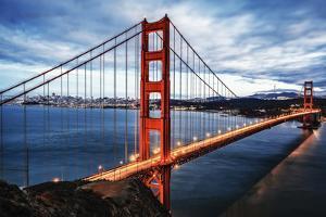 The Famous Golden Gate Bridge by prochasson