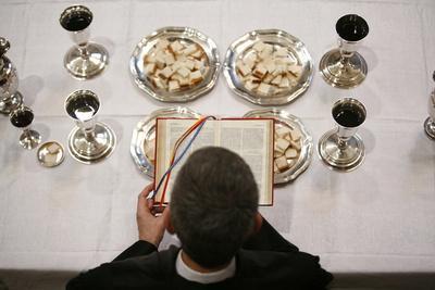 https://imgc.allpostersimages.com/img/posters/protestant-eucharist-ile-de-france-france_u-L-Q1GYIJQ0.jpg?artPerspective=n